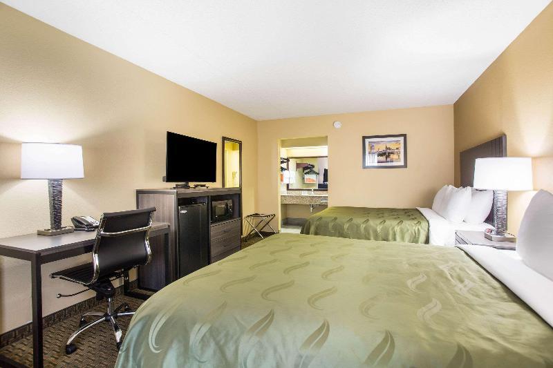 Quality Inn - Room - 10