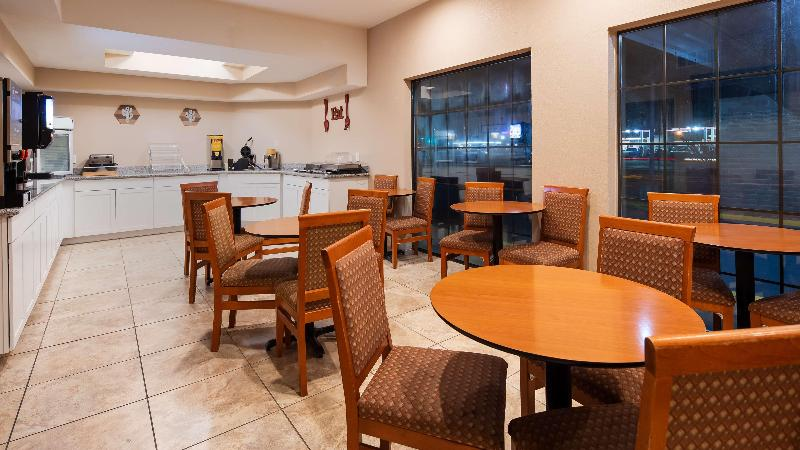 SureStay Plus by Best Western Willcox - Restaurant - 3