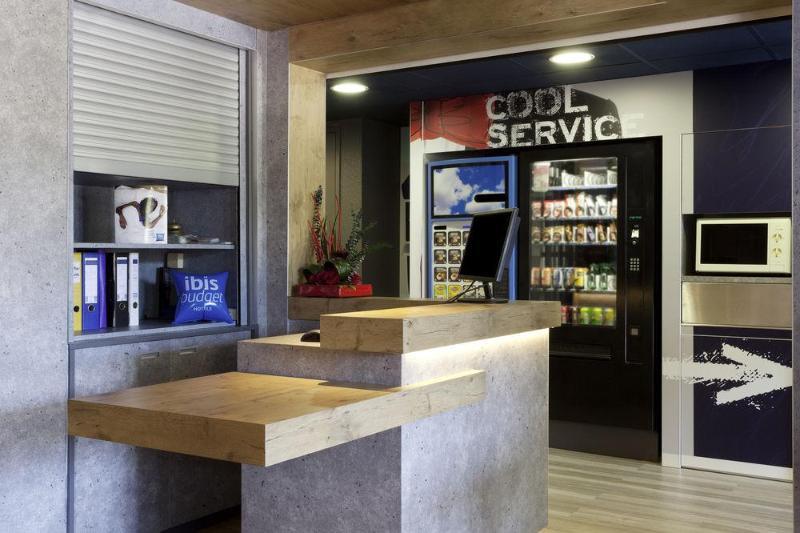 General view Ibis Budget Aix En Provence Est Le Canet