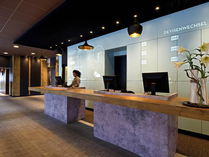 Lobby Ibis Hamburg Airport