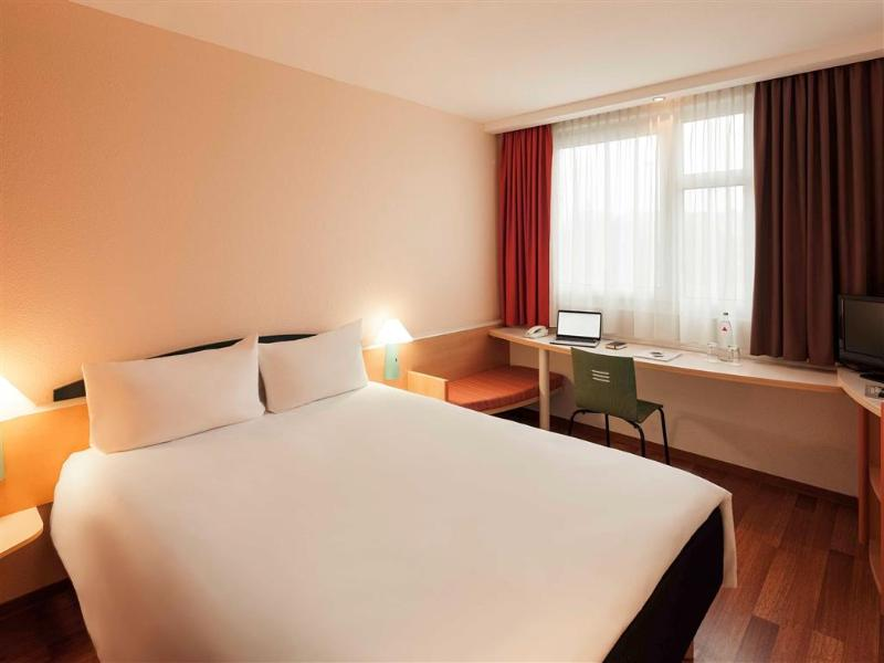 Room Ibis Nuernberg City Am Plaerrer