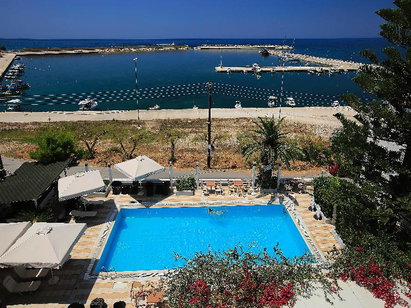 General view Kyparissia Beach