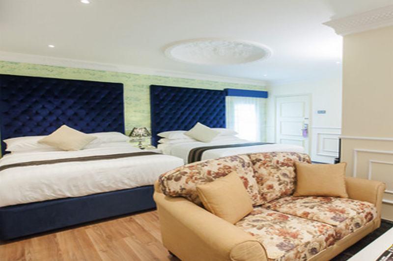Deluxcious Heritage Hotel - Room - 1