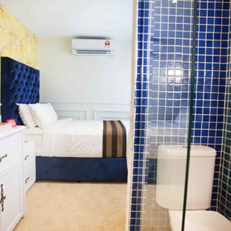 Deluxcious Heritage Hotel - Room - 10
