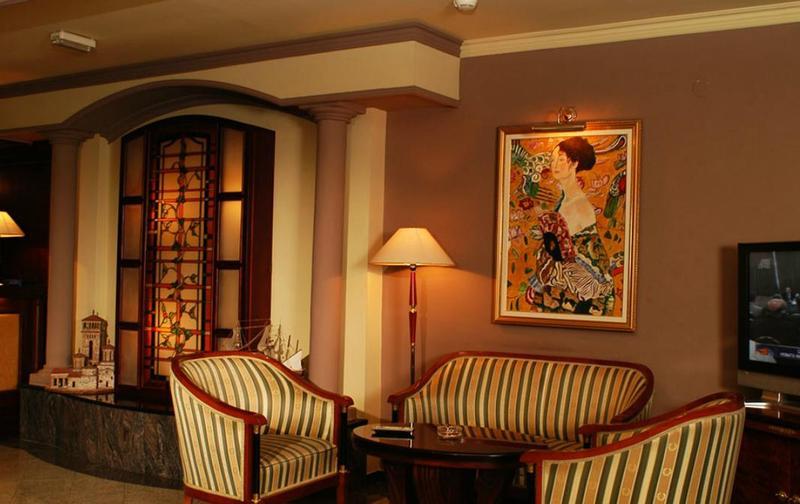 Lobby Millenium Palace Hotel