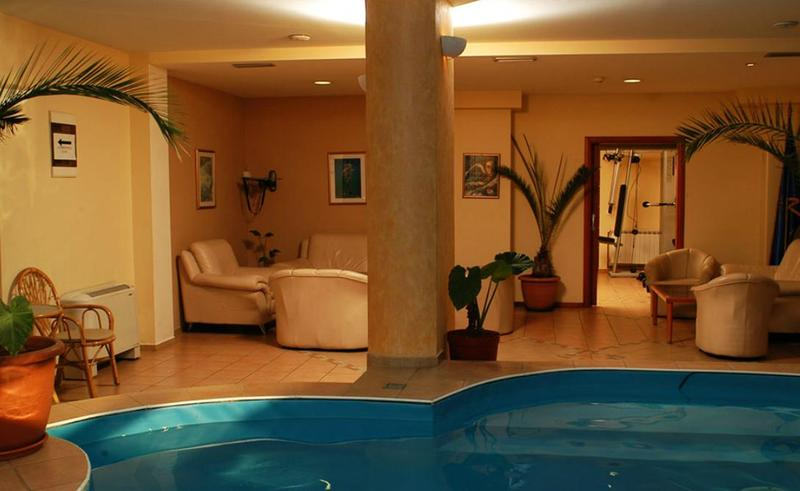 Pool Millenium Palace Hotel