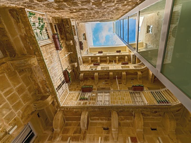 General view Valletta Merisi Suites