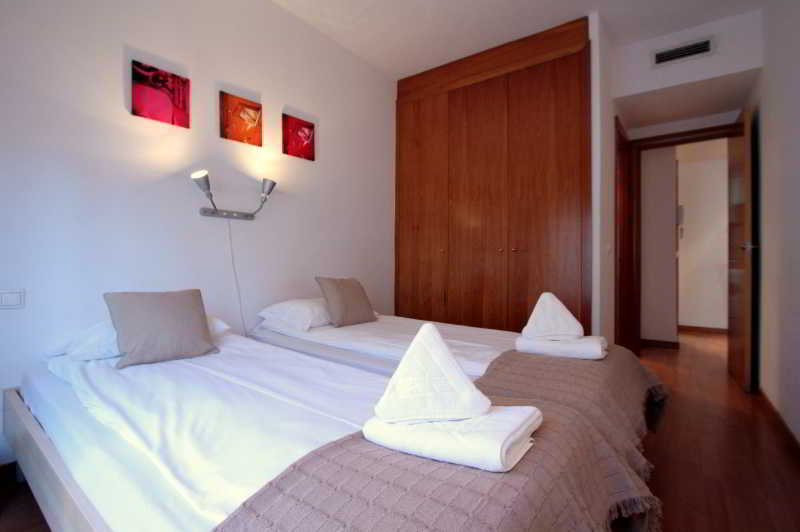 Room Villarroel Residence Apartments