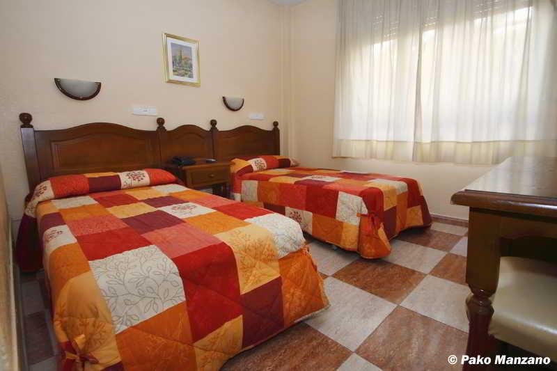 Sevilla - Room - 3