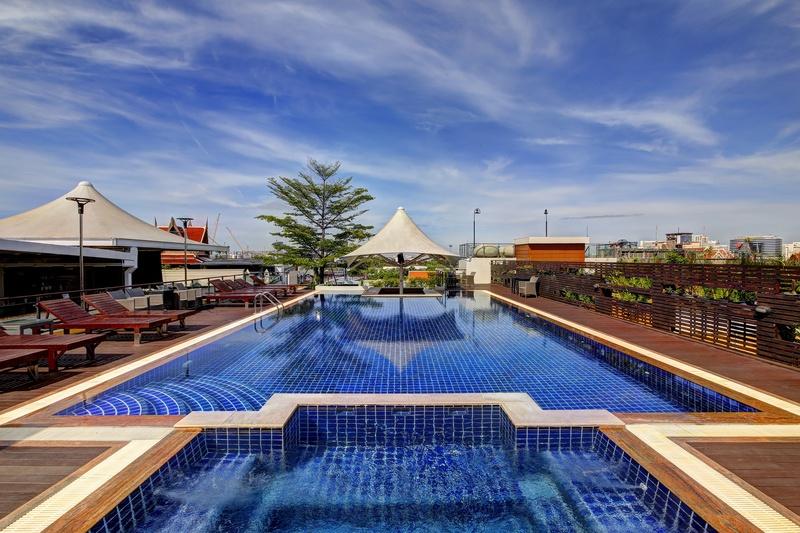 Pool Dang Derm Hotel