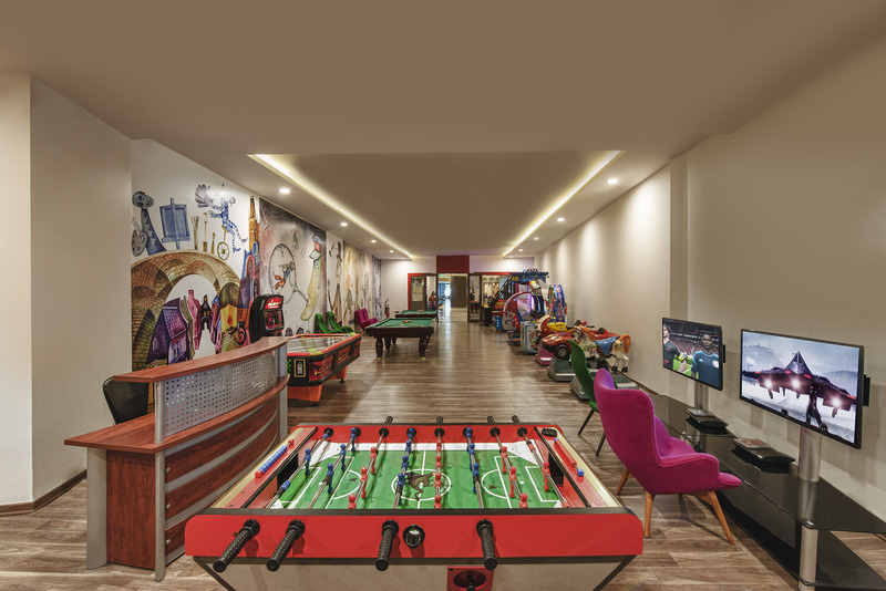 Sports and Entertainment Botanik Platinum