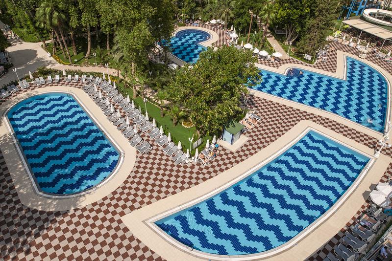 Pool Botanik Platinum