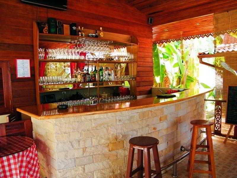 Bar Cyana Beach Resort