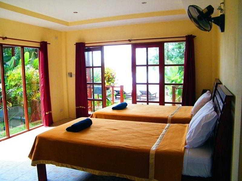 Room Cyana Beach Resort