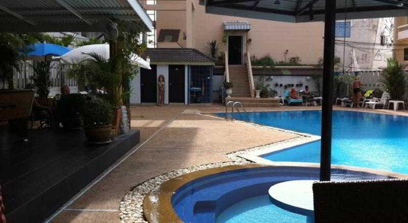 Pool Marina Inn Pattaya
