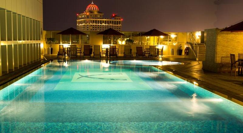 Ivory Grand Hotel Apartments - Pool - 2