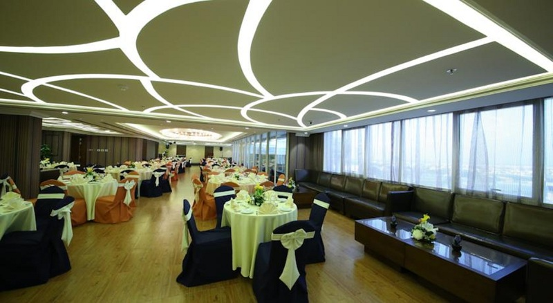 Ivory Grand Hotel Apartments - Restaurant - 3