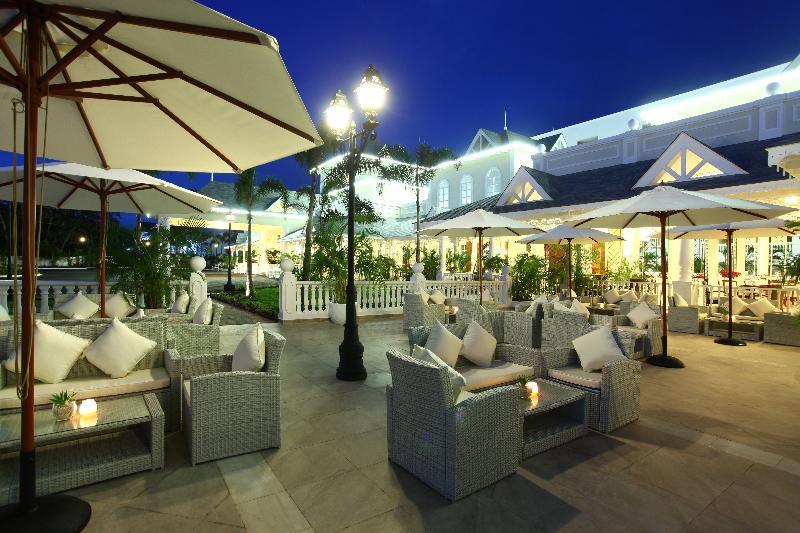 Raffles Town Club - Terrace - 8