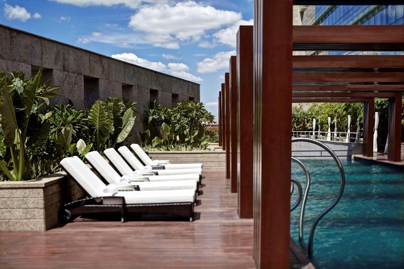 Pool Park Hyatt Hyderabad