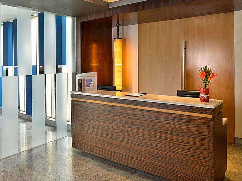 Lobby Four Points By Sheraton New Delhi Airport Highway