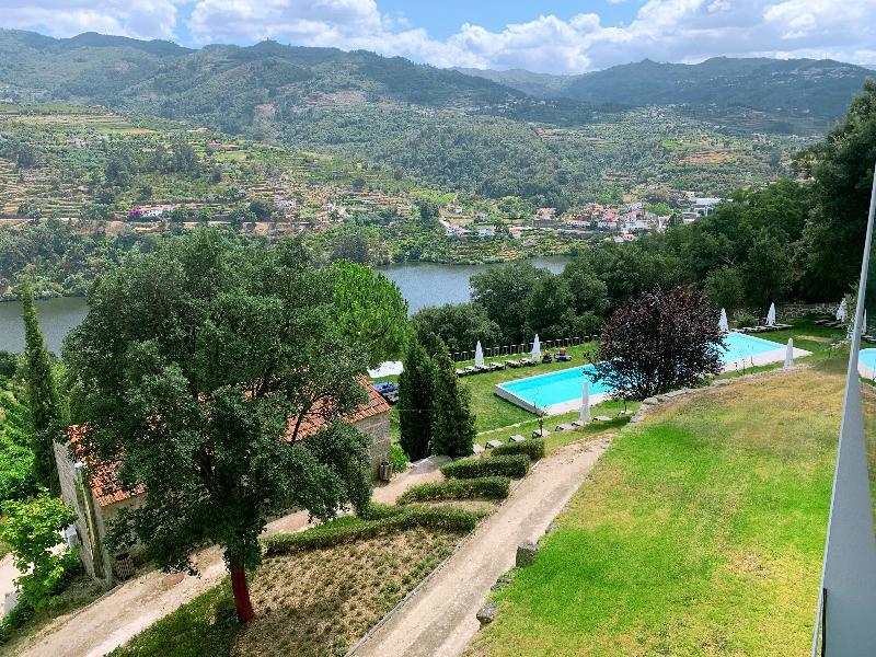 Pool Douro Palace Hotel Resort Spa