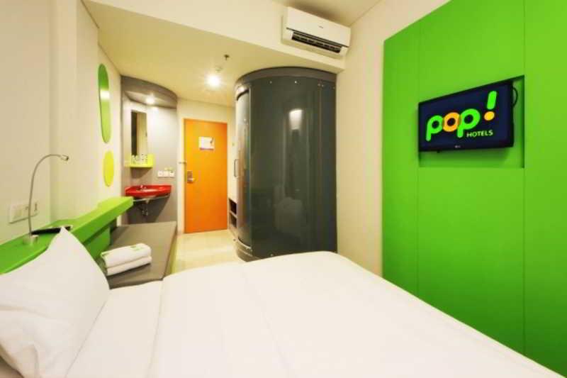 Room Pop! Hotel Airport