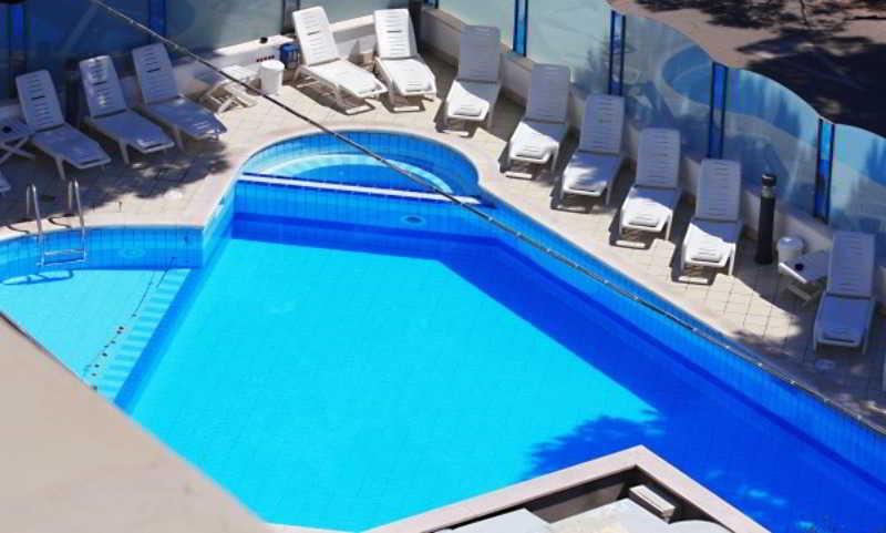 Pool Residence Brown