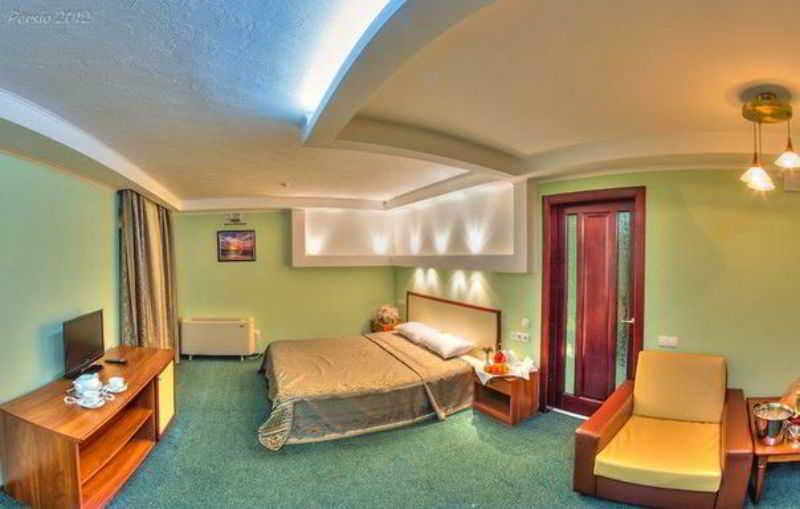 Room Optima Deluxe Kryvyi Rih