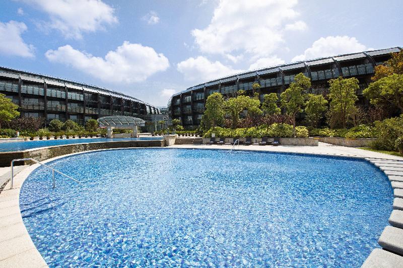 Crowne Plaza Shanghai Harbour City - Pool - 2
