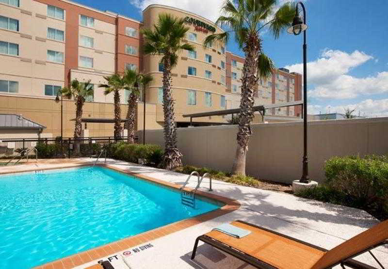 General view Courtyard Houston Pearland