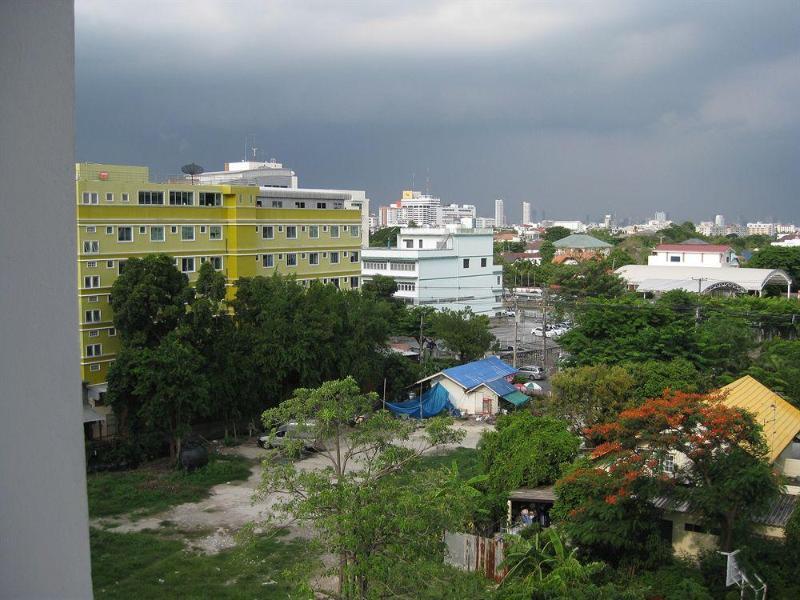 General view Komol Residence Bangkok