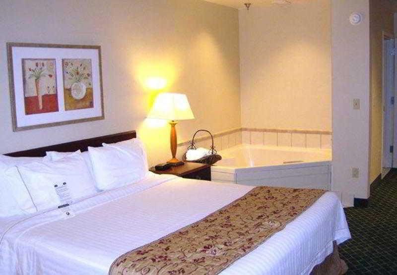 General view Fairfield Inn & Suites Butler