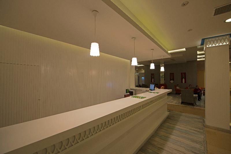 CLE Resort Hotel - General - 0