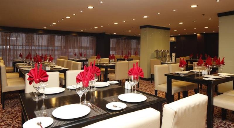 Plaza Inn Olaya Hotel - Restaurant - 2