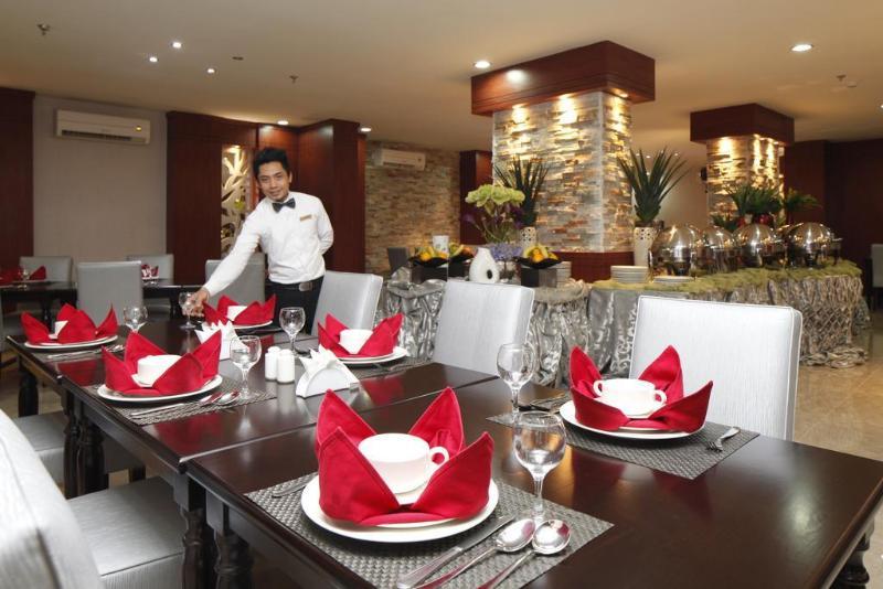 Plaza Inn Olaya Hotel - Restaurant - 12