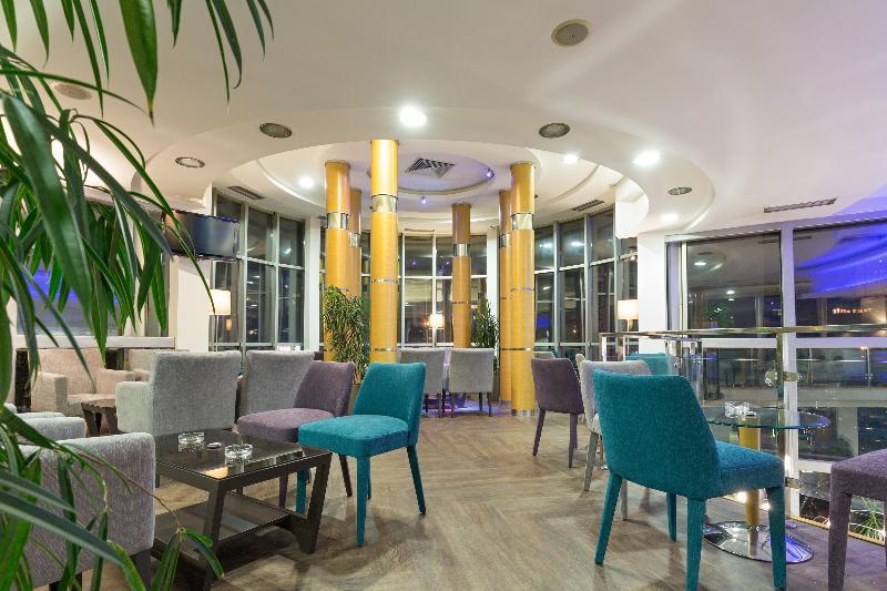 Lobby Tulip Inn Putnik Belgrade