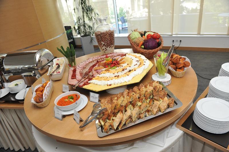 Restaurant Tulip Inn Putnik Belgrade