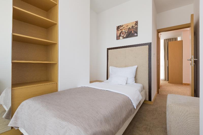 Room Tulip Inn Putnik Belgrade