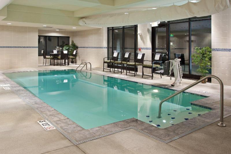Holiday Inn Columbus - Hilliard - Pool - 12