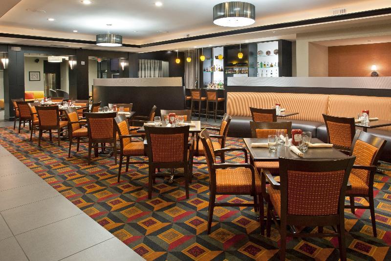 Holiday Inn Columbus - Hilliard - Pool - 2