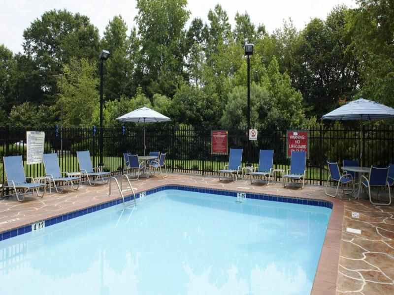 Four Points by Sheraton Charlotte - Pool - 11