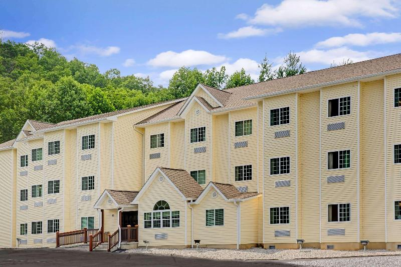 General view Microtel Inn & Suites By Wyndham Bryson City