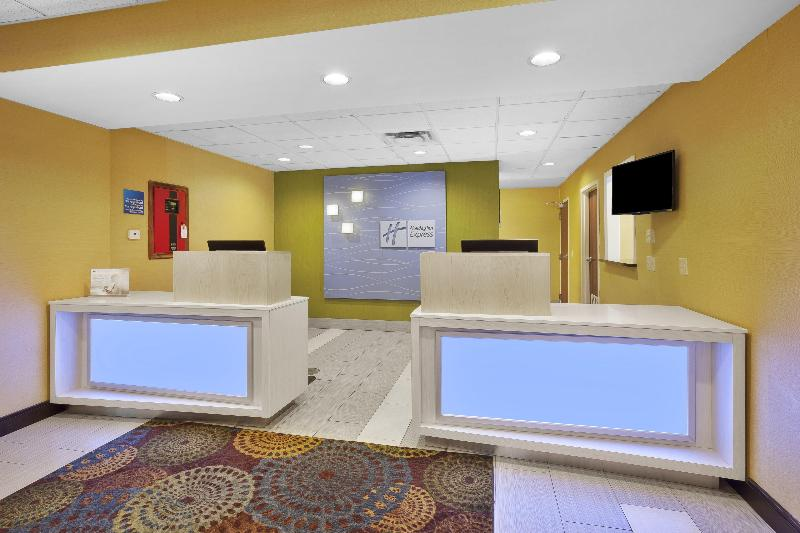 Lobby Holiday Inn Express & Suites Circleville