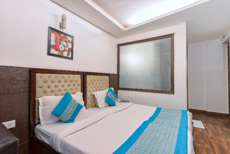 La Vista - Room - 12