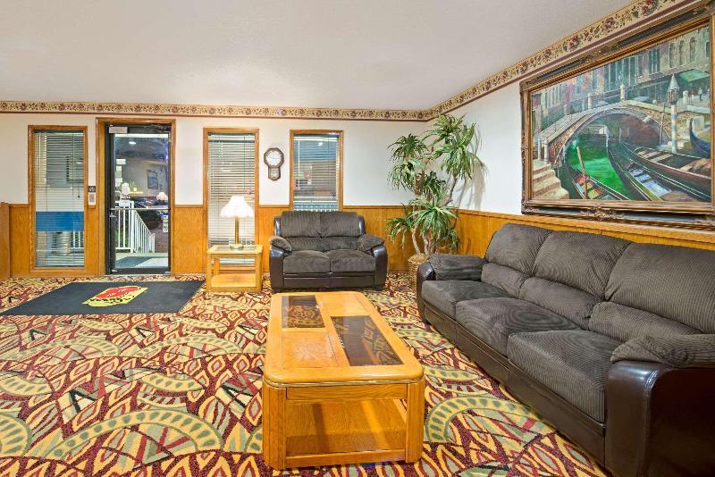 Lobby Super 8 By Wyndham Plano/dallas Area