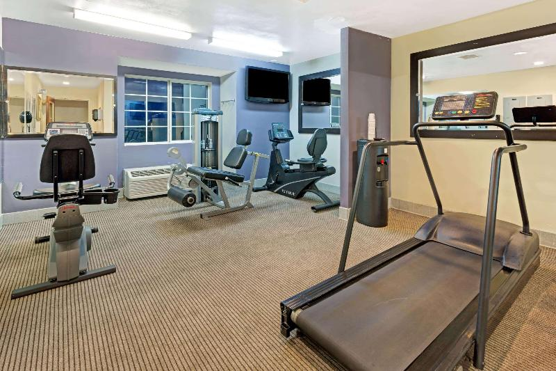Sports and Entertainment Microtel Inn & Suites By Wyndham Denver
