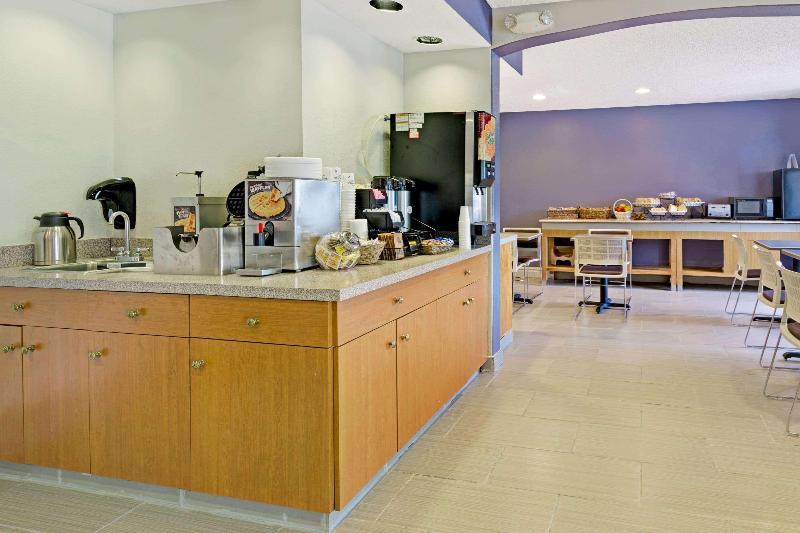 Restaurant Microtel Inn & Suites By Wyndham Denver