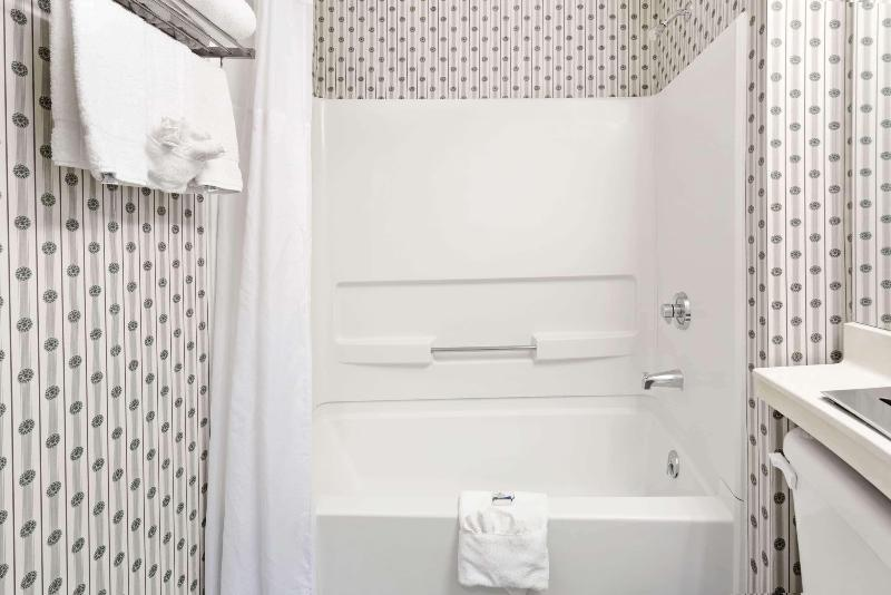 Room Microtel Inn & Suites By Wyndham Denver