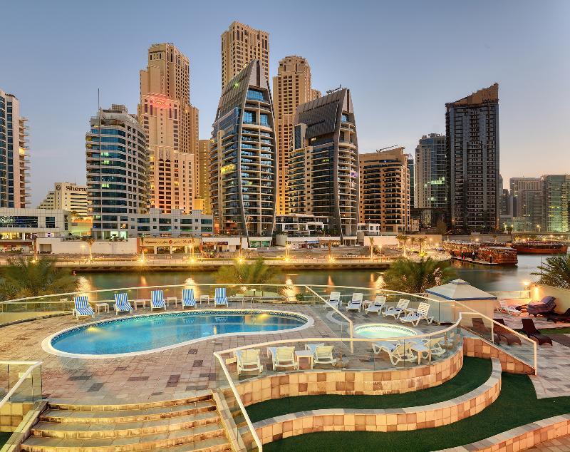 Pearl Marina Hotel Apartments - Pool - 11