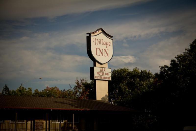 General view Village Inn
